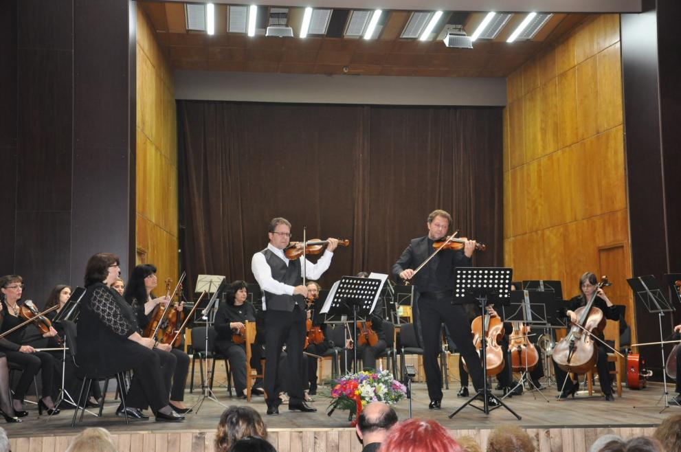 Симфоничен концерт - Веско Ешкенази и Мартин Пантелеев